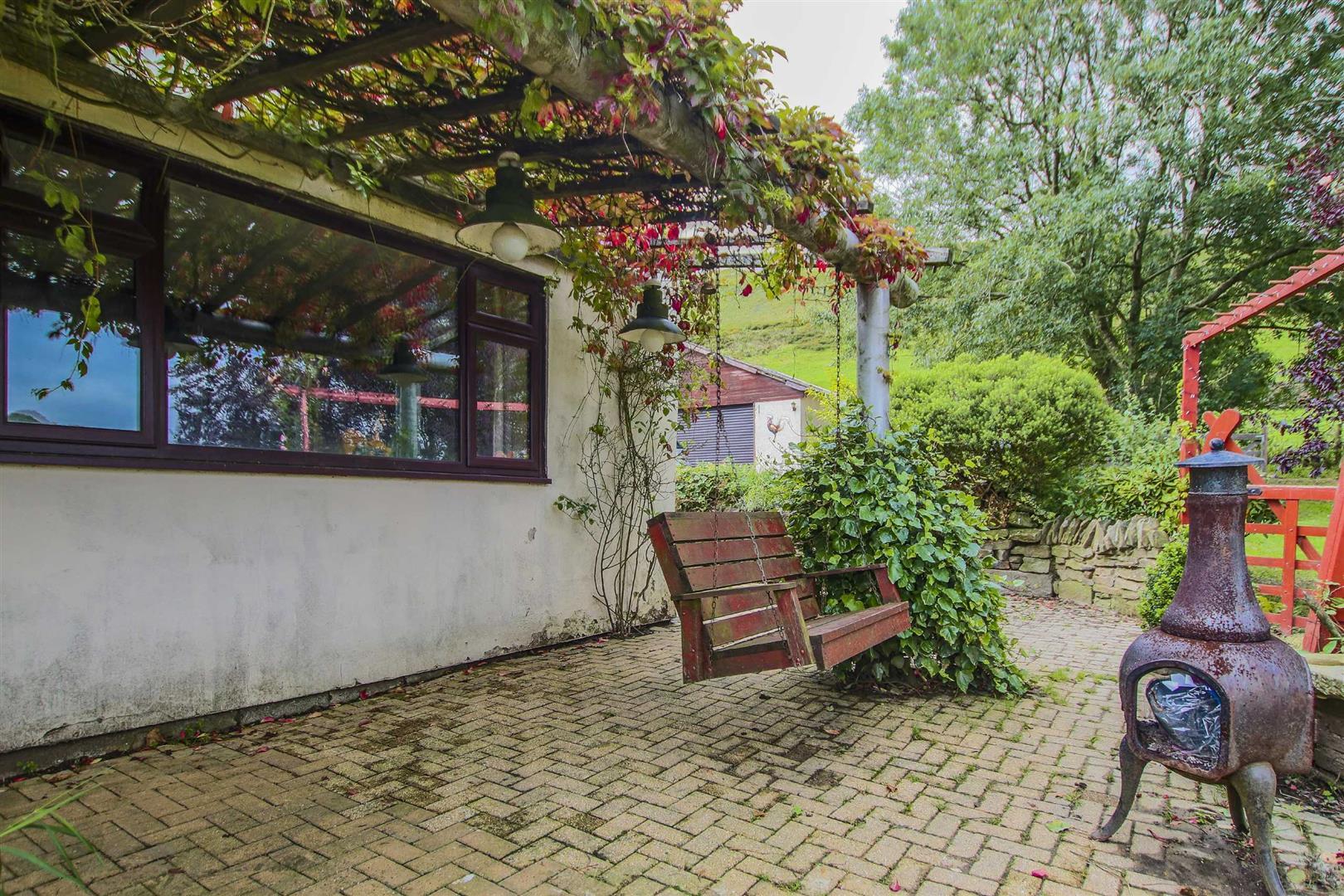 4 Bedroom Semi-detached House For Sale - Image 28
